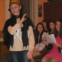 """Новорічне свято """" Міс Карамелька """" відбулося 15. 01.15р. 8-Вклас"""