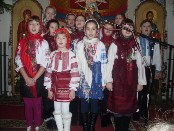 Виступ учнів СЗШ №90 у церкві Різдва Пресвятої Богородиці