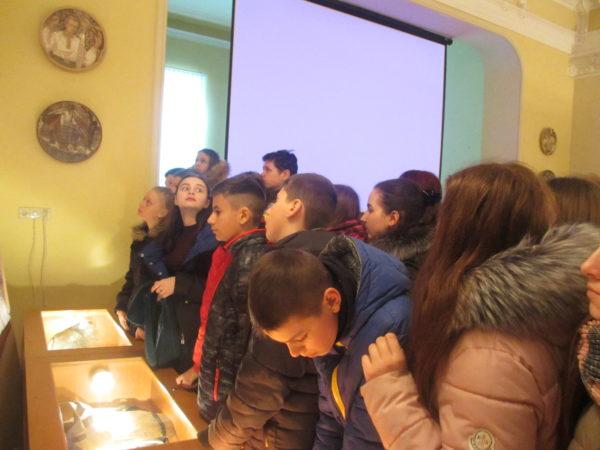 Учні 8-Б та 8-В класів на екскурсії в Музеї визвольної боротьби