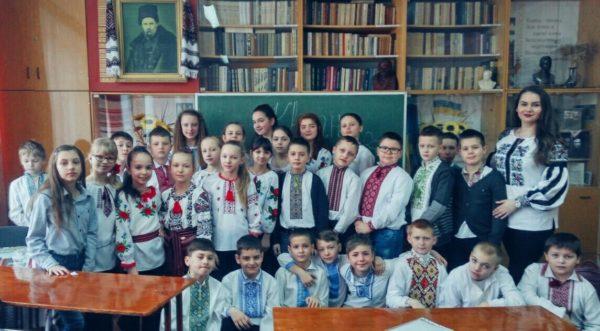 Літературно-музична година спілкування до Міжнародного дня рідної мови