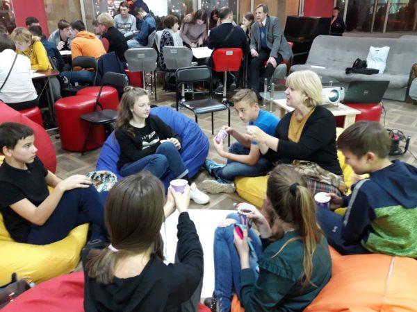 учні 8Б класу разом з вчителем хімії Єдинак Іванною Ярославівною відвідали міський захід Ідеатон Lviv Open Lab