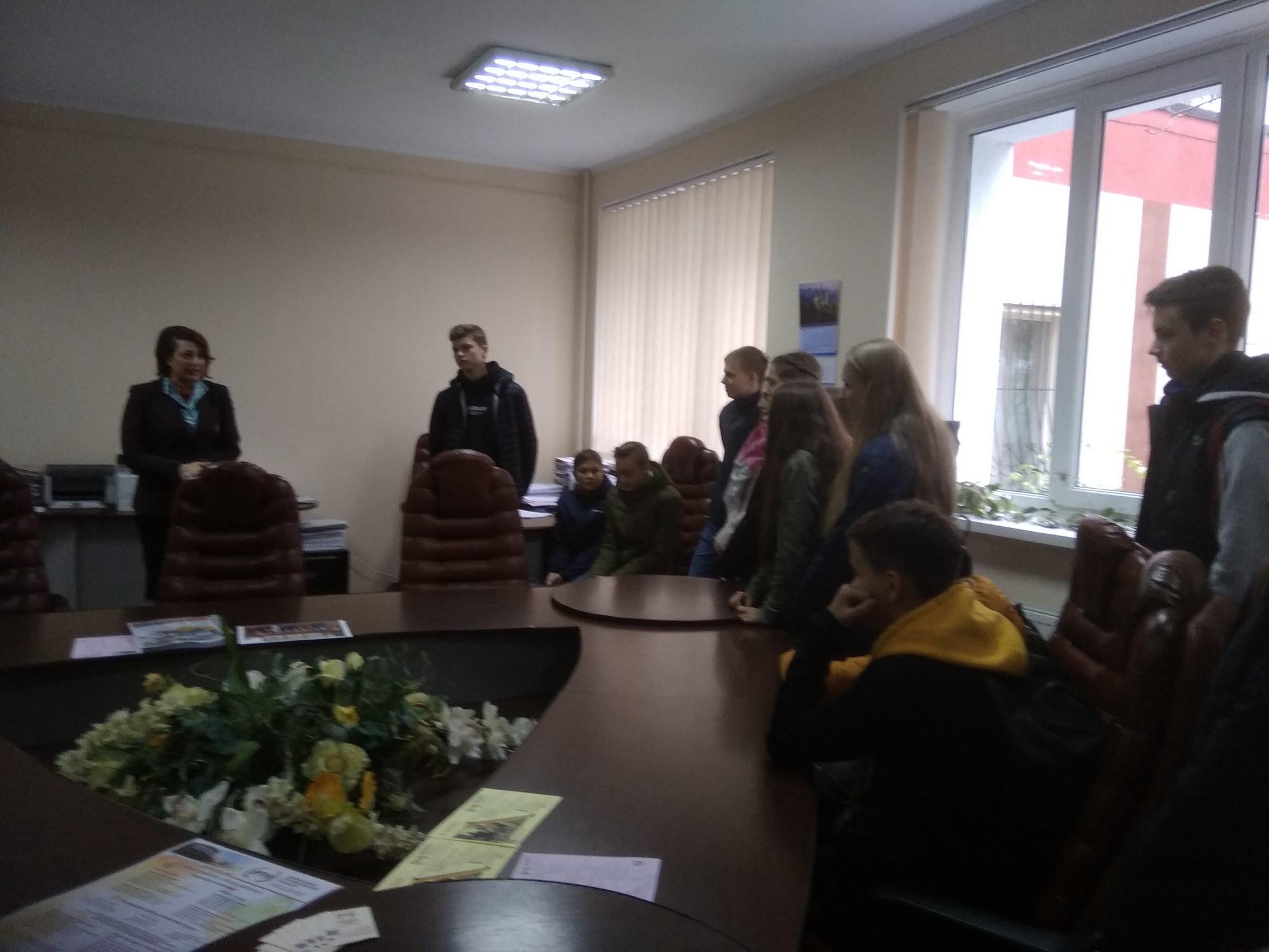 """Учні 9-Б та 11-Б класів з метою профорієнтації відвідали """"День відкритих дверей"""""""